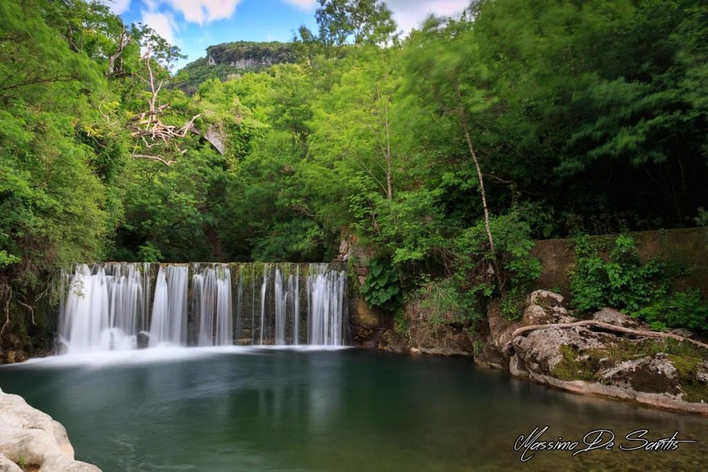Laurino, cascata sotto il borgo